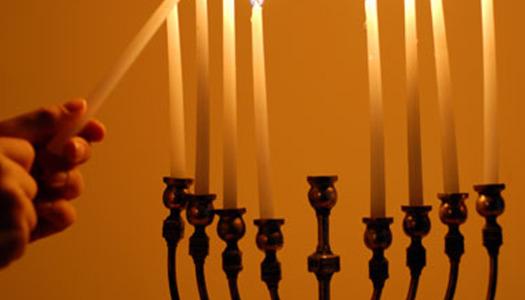 Hanukai villáminterjú- a Rabbival, aki idén is házhoz megy